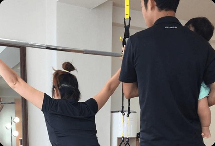 上野のパーソナルトレーニングジムで評判の産後骨盤矯正(姿勢改善)